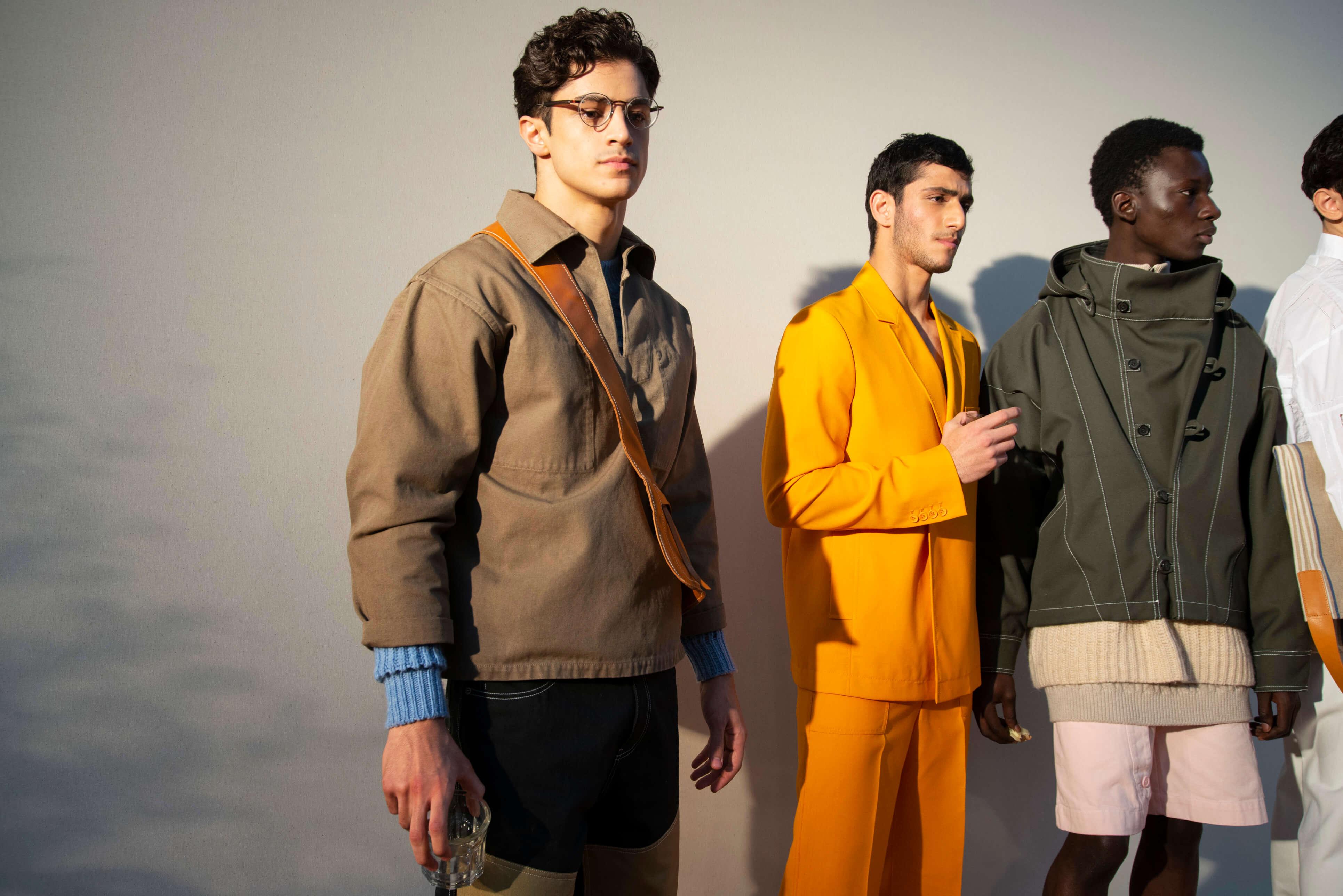 1184d7348b9bbb FashionPost to też moda męska. Sprawdzamy, jakie są aktualnie modne ubrania  dla mężczyzn, stylowe męskie koszule, męskie spodnie, męskie garnitury i  męskie ...