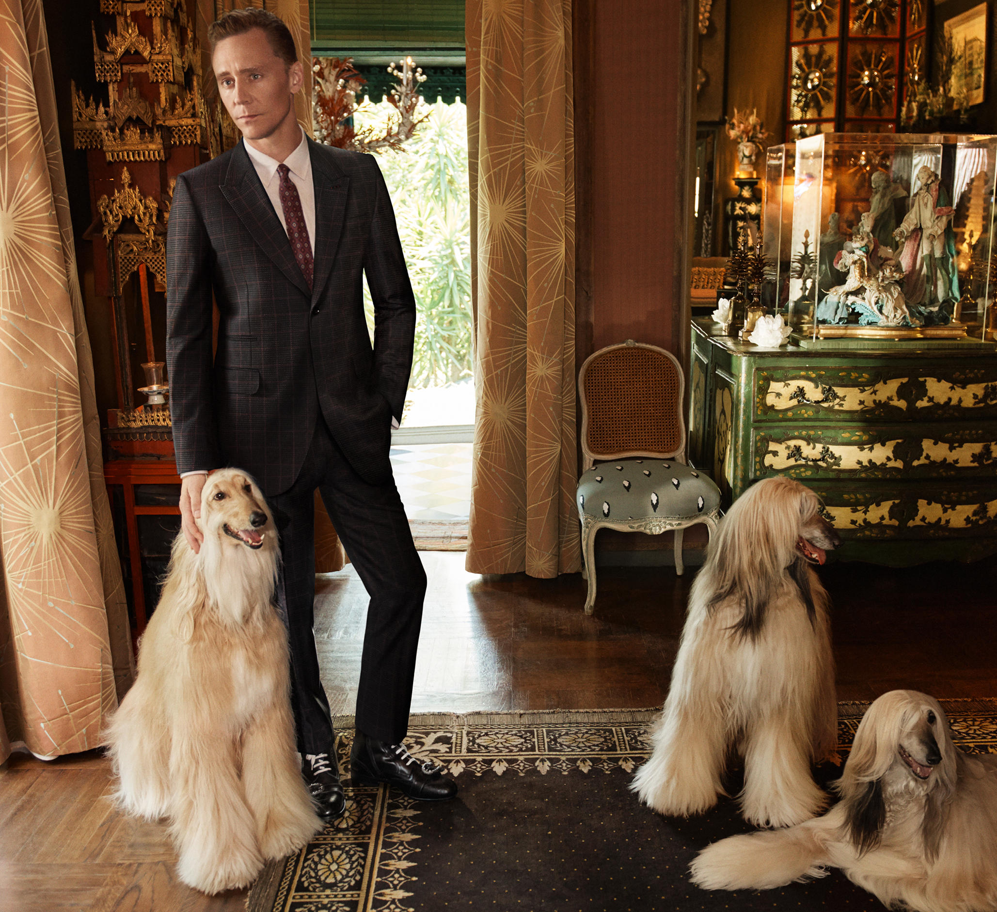 Tom Hiddleston nową twarzą Gucci