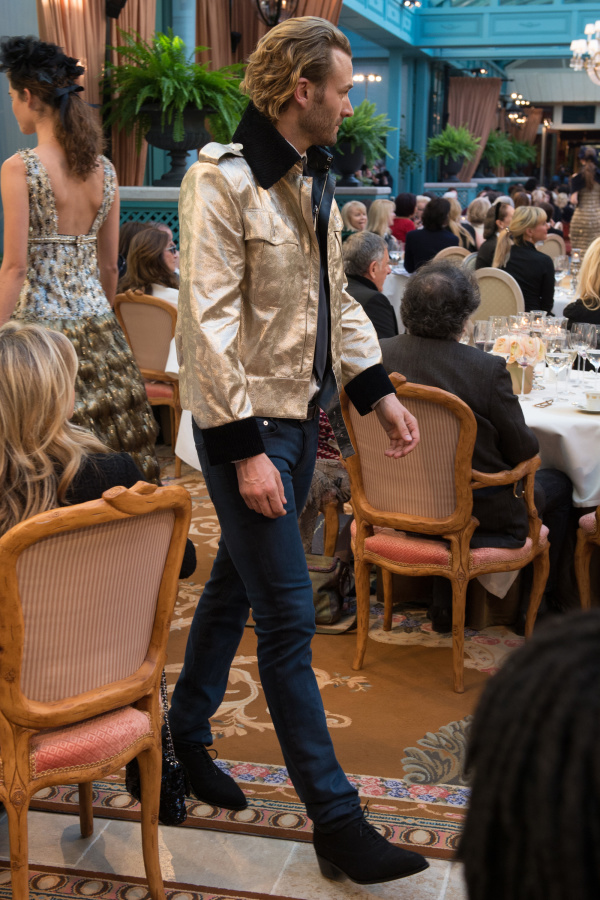 "Chanel ""Paris Cosmopolite"" pre-fall 2017"