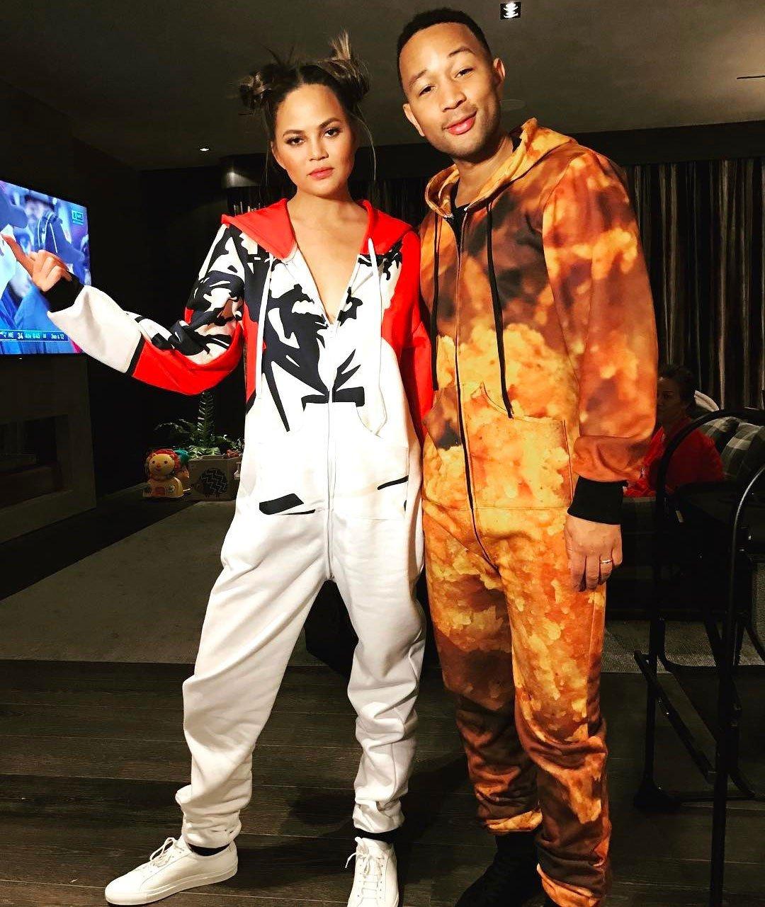 W Hollywood odbyło się prawdziwe pidżama party! A na nim Kardashian, Alba, Teigen, Legend…