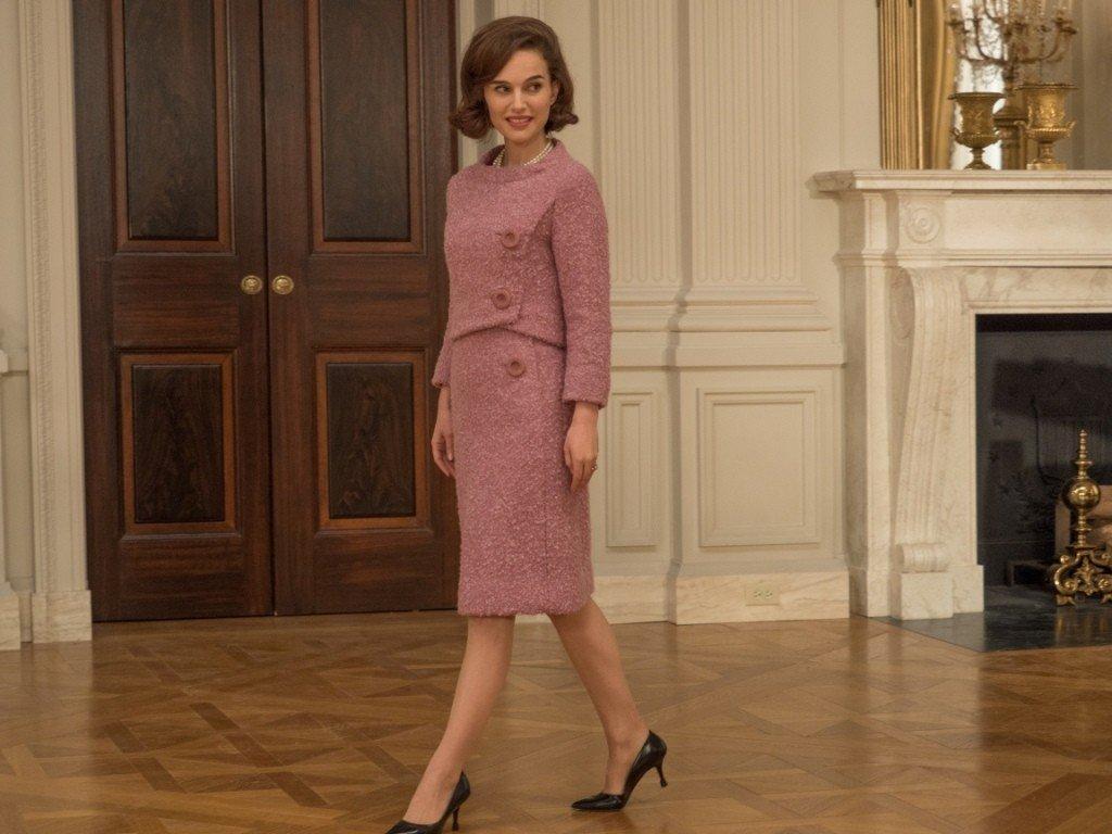 """""""Jackie"""" w kinach. To film o niezwykłej determinacji i sile ubranej w najnowsze kostiumy Chanel"""