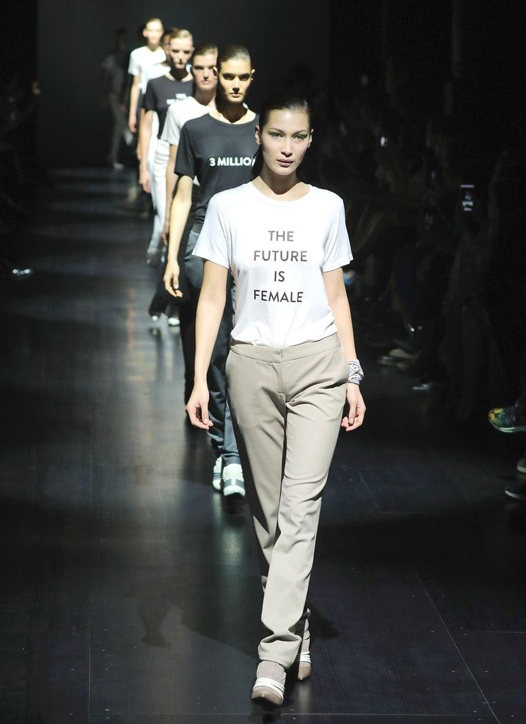 8 politycznych gestów przeciwko Trumpowi na nowojorskim tygodniu mody