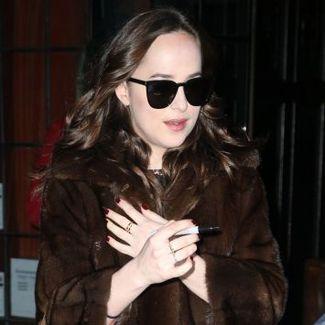 Hot or not: Dakota Johnson w futrze Gucci