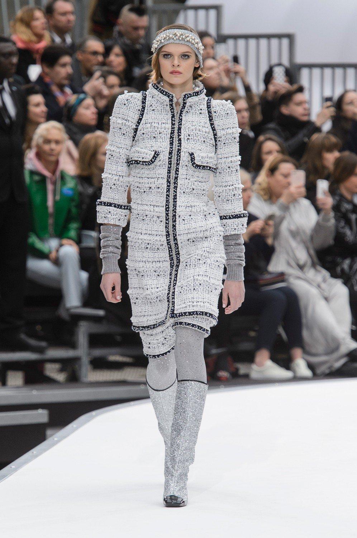 Karl Lagerfeld podbija kosmos, czyli pokaz Chanel jesień-zima 2017