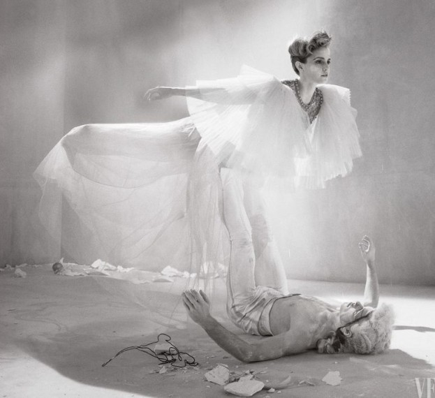 "Silna i subtelna Emma Watson w ""Vanity Fair"""