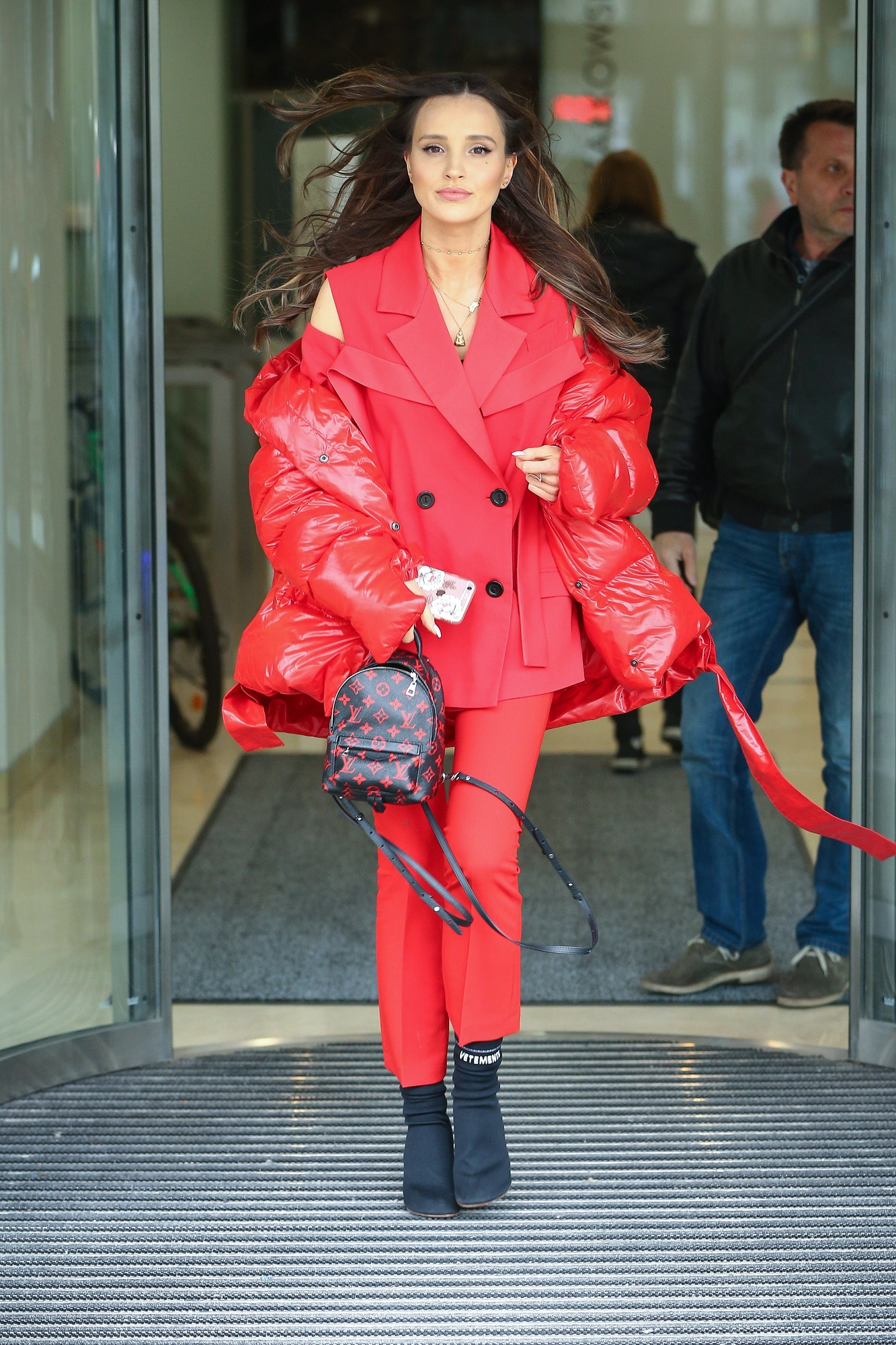 Hot or not: Marina w Vetements, MMC i z plecakiem Louis Vuitton [SONDA]