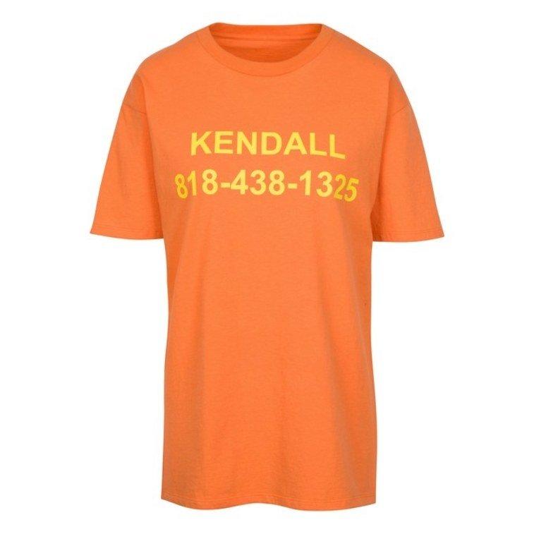 Kup t-shirt i zadzwoń do Kylie lub Kendall Jenner. To działa!
