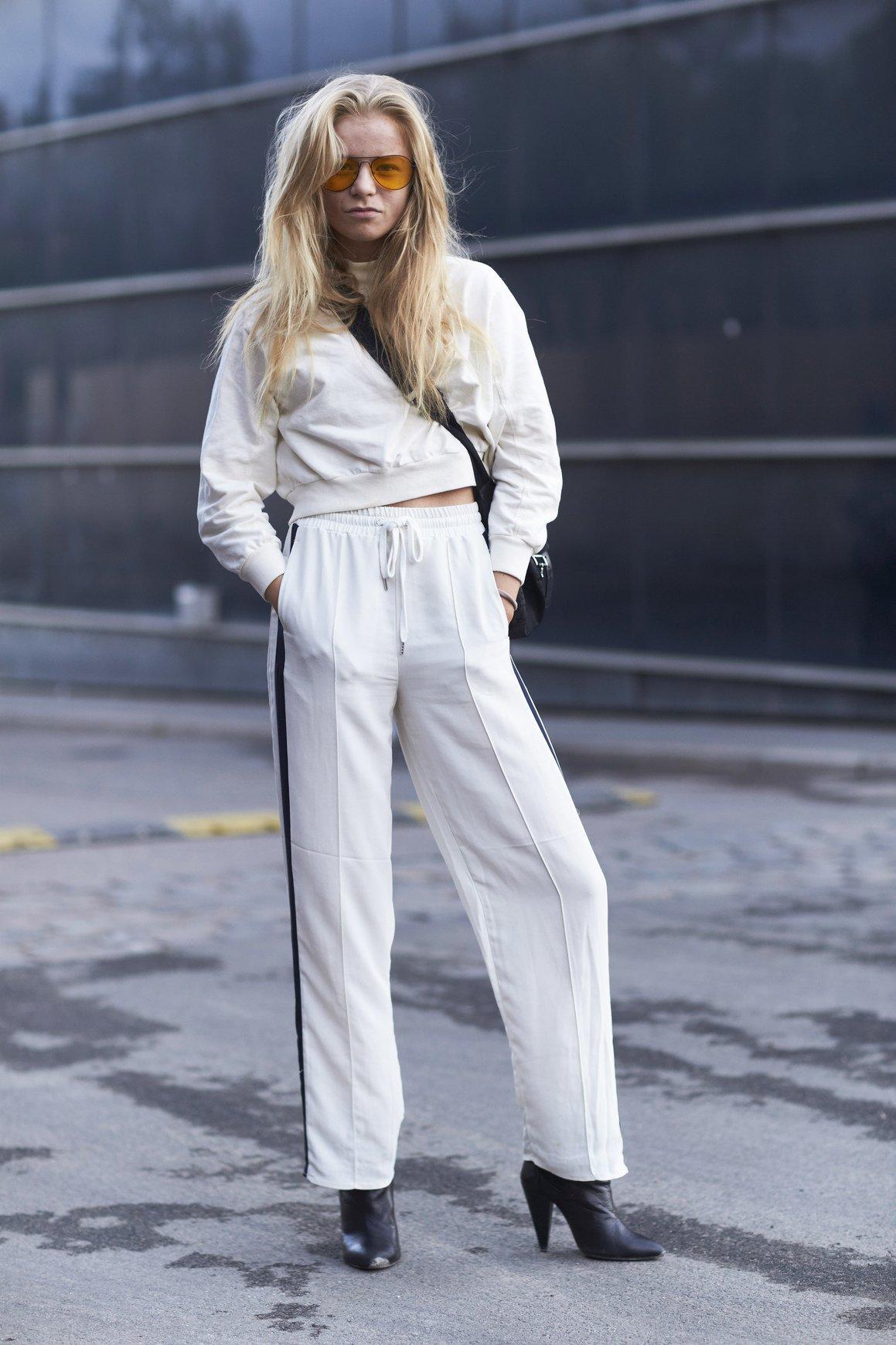 Lato 2017: najciekawsze uliczne stylizacje z bielą w roli głównej!
