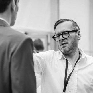"""Wojciech Bednarz: """"Jestem za demokracją w modzie"""" [WYWIAD]"""