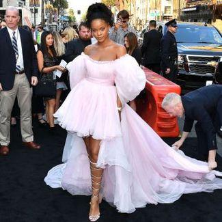 Hot or not: Rihanna w wielkiej sukni niczym księżniczka Disney'a