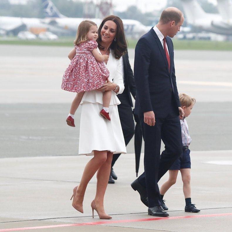 Hot or not: księżna Kate w kostiumie od Alexandra McQueena w Polsce
