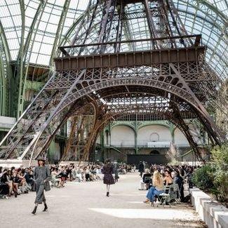 Paryski klimat w kolekcji Chanel haute couture jesień 2017