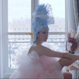 """Vogue"" udowadnia, że nikt tak nie nosi haute couture jak Celine Dion!"