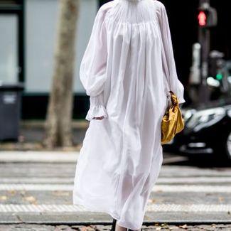 Moda uliczna podczas tygodnia haute couture jesień-zima 2017: dzień 1. i 2.