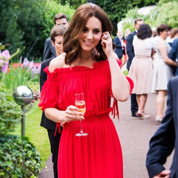 Hot or not: Księżna Kate odsłania ramiona w południowym stylu