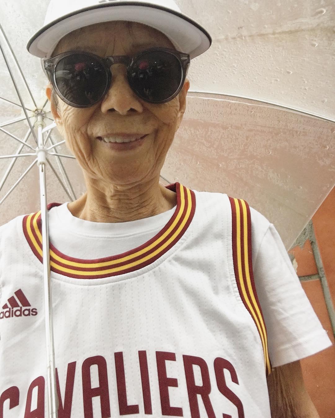 Ta 88-letnia Tajwanka zawstydzi wszystkich fanów streetwearu. Zobaczcie jej styl