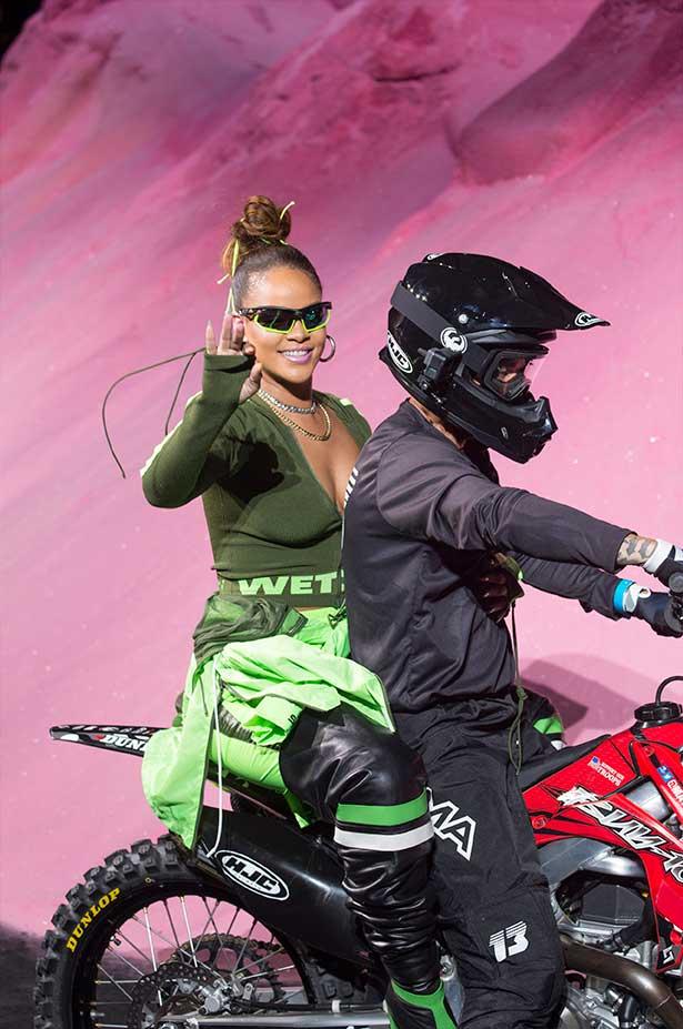 Motocyklowe szaleństwo, czyli pokaz Fenty x Puma wiosna-lato 2018