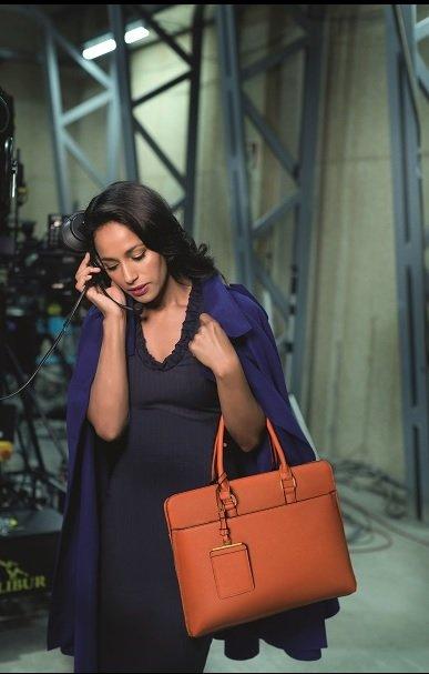 e302230c77160 W każdej kampanii CAPRISY, to nie tylko torebka, ale przede wszystkim  kobieta jest gwiazdą absolutną. Idąc tym tropem, marka wraz z każdym  sezonem jak ...