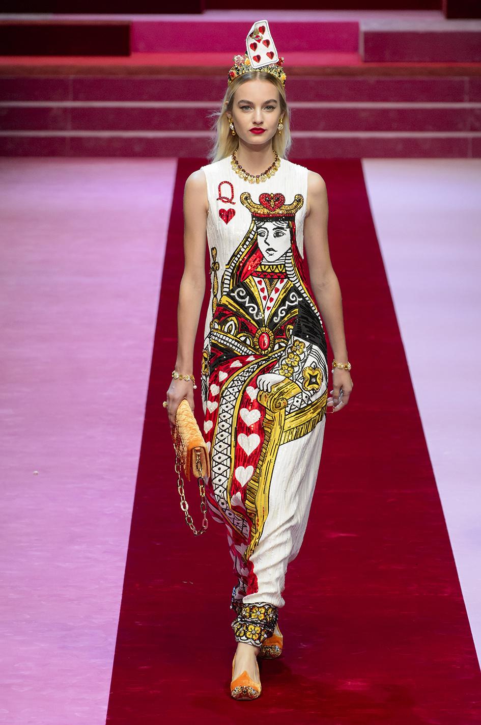 Dama kier, dominacja miłości oraz…warzywa na pokazie Dolce&Gabbana w Mediolanie