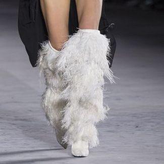 Te buty z nowej kolekcji Saint Laurent będą marzeniem każdej fashionistki!