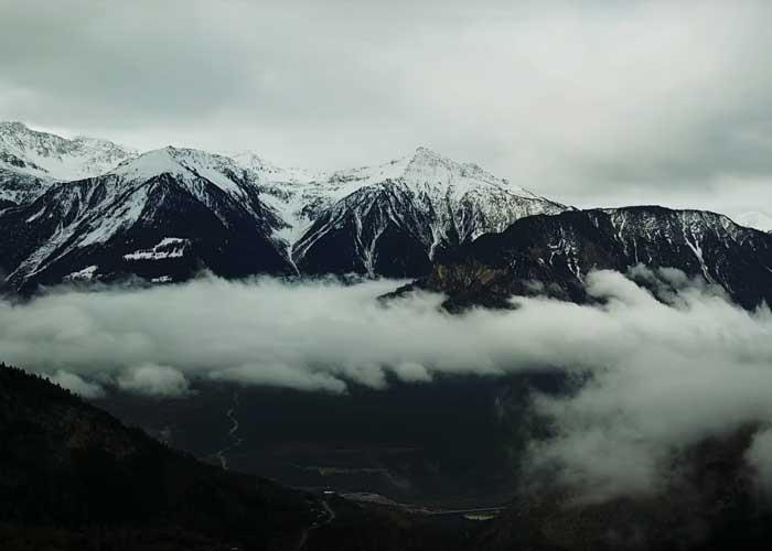 To miasteczko w Szwajcarii oferuje ćwierć miliona złotych za zamieszkanie w nim. Pakujemy się?