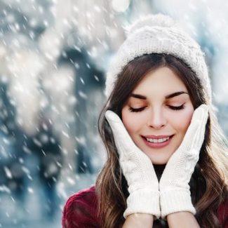 5 kroków, które pomogą zachować idealnie nawilżoną skórę zimą