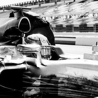 Tommy Hilfiger współpracuje z Formułą 1!