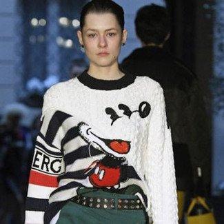 Myszka Miki została muzą projektantów. Sprawdźcie w jakich sklepach można kupić ubrania i dodatki z jej wizerunkiem