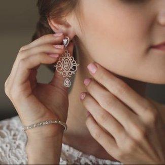 Biżuteria ślubna 2018 - poznaj 5 gorących trendów!