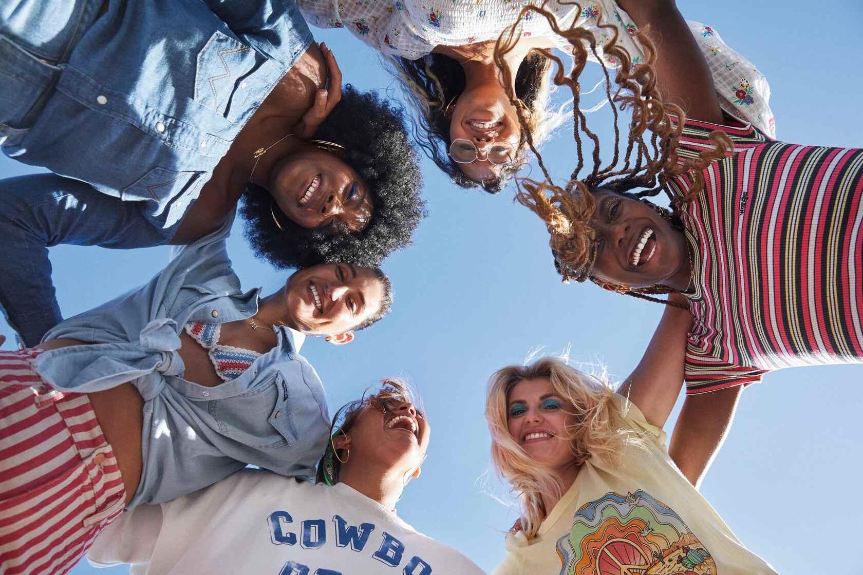 """Legendarna denimowa marka Wrangler startuje zeświatową kampanią """"For the Ride of Life"""""""