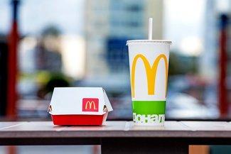McDonald\'s rezygnuje z plastikowych słomek